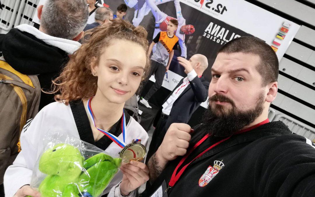 Zlatna Nina Stojanović!